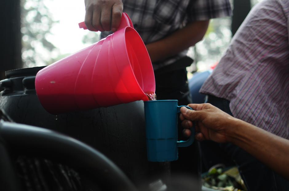 Los manifestantes dejan claras sus consignas. (Foto: Alejandro Balán/Soy502)