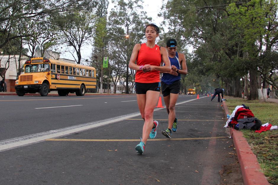Mayra Herrera en plena faena de entrenamiento con miras a competir en Lugano, Suiza el 13 de marzo próximo. (Foto: Luis Barrios/Soy502)