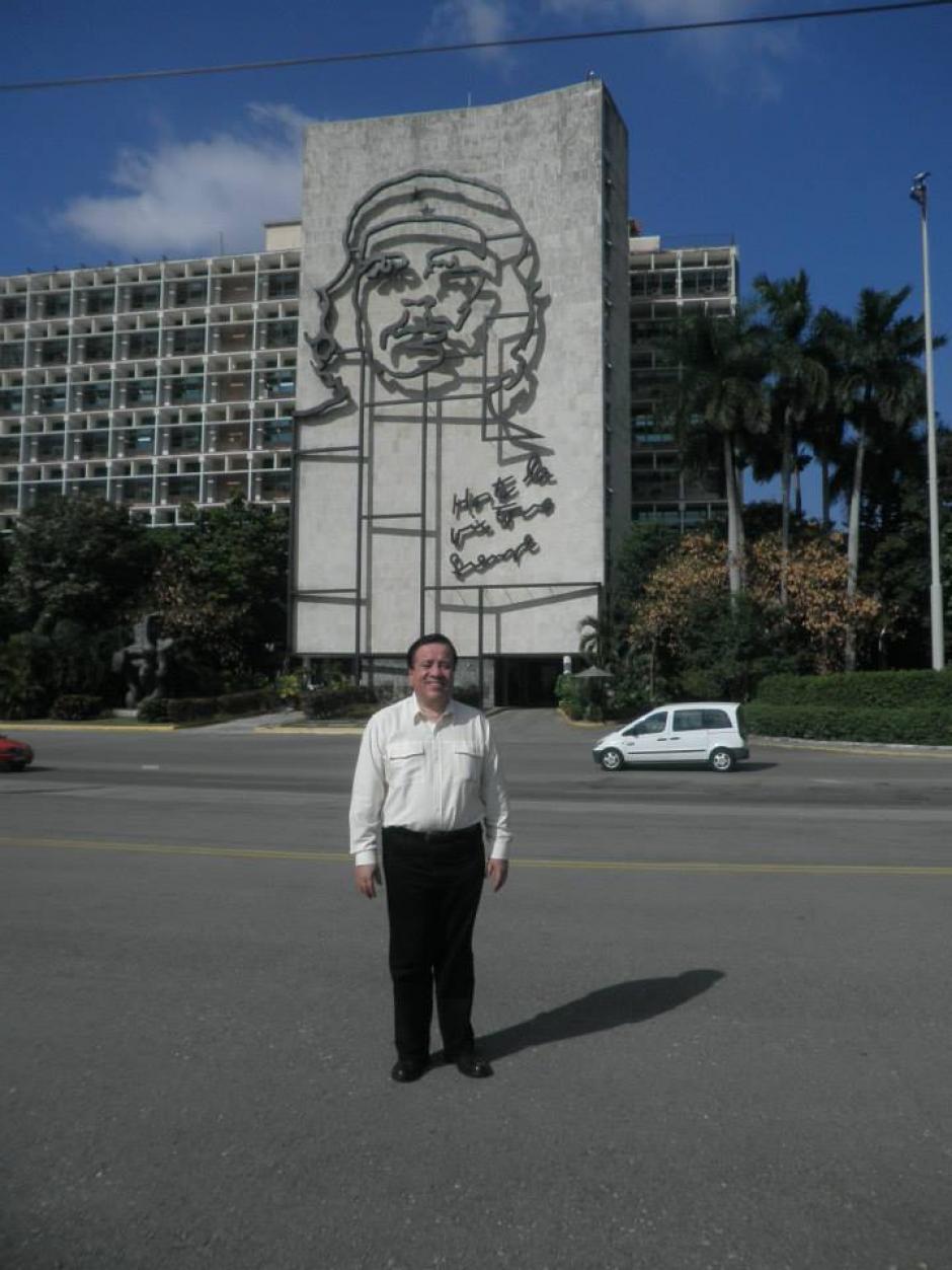 Marco Vinicio Mejía es admirador del gobierno cubano. (Foto:  Marco Vinicio Mejía Dávila/Facebook)
