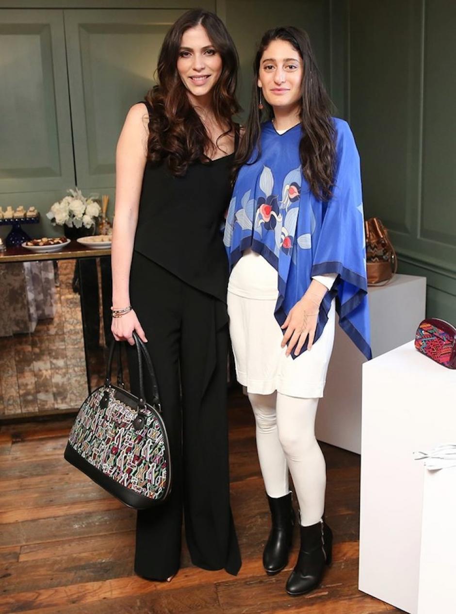 La cineasta Arden Wohl, acompañada de Alida Boer, fundadora de la marca. (Foto: NY Trendy Moms)