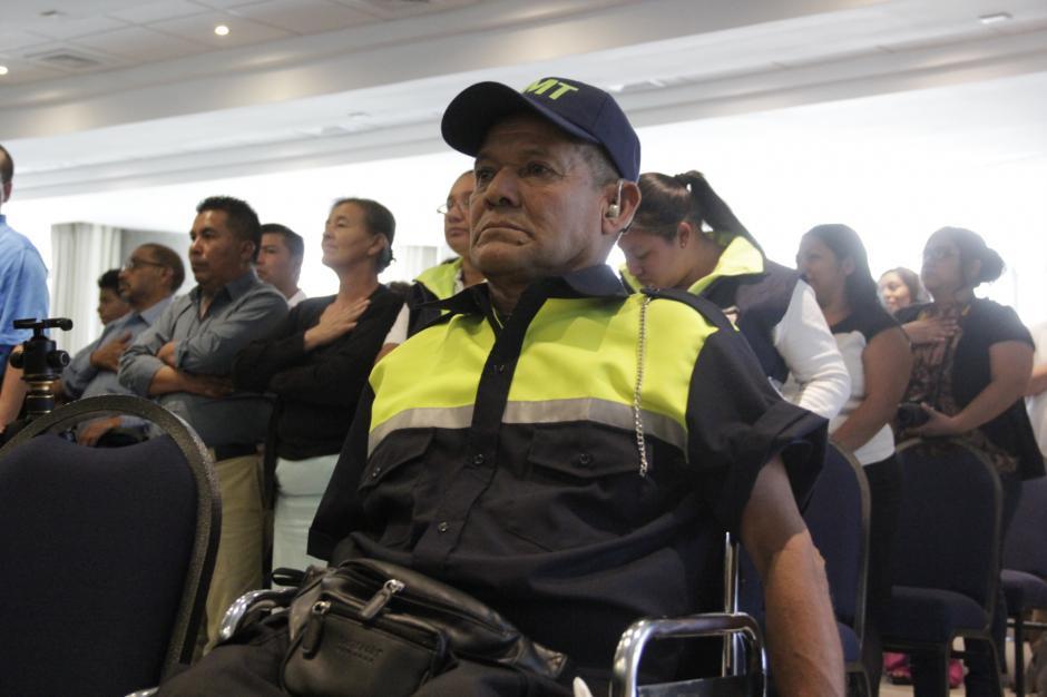 Don Mario César Gálvez se encontraba muy nervioso antes de la ceremonia y dijo sentirse contento por esta nueva oportunidad de vida. (Foto: Fredy Hernández/Soy502)