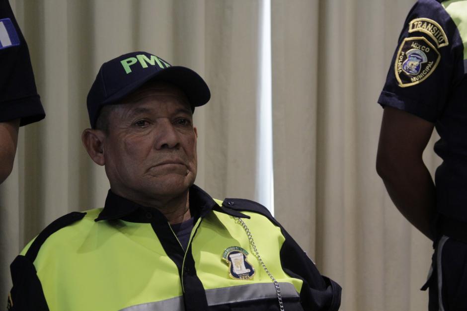 Don Mario César lloró en silencio de la emoción por tener una nueva oportunidad de vida. (Foto: Fredy Hernández/Soy502)