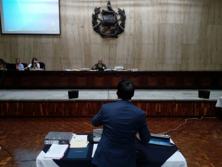 En su defensa reprodujo audios con testimonios. (Foto: Alejandro Balan/Soy502)
