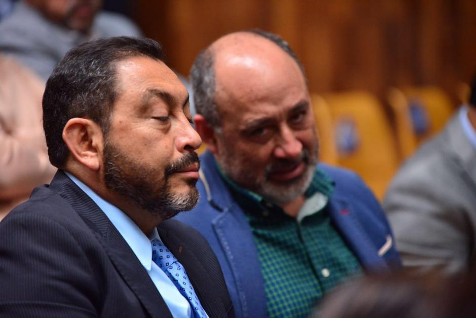 Mauricio López Bonilla observó todo desde su lugar.  (Foto: Jesús Alfonso/Soy502)