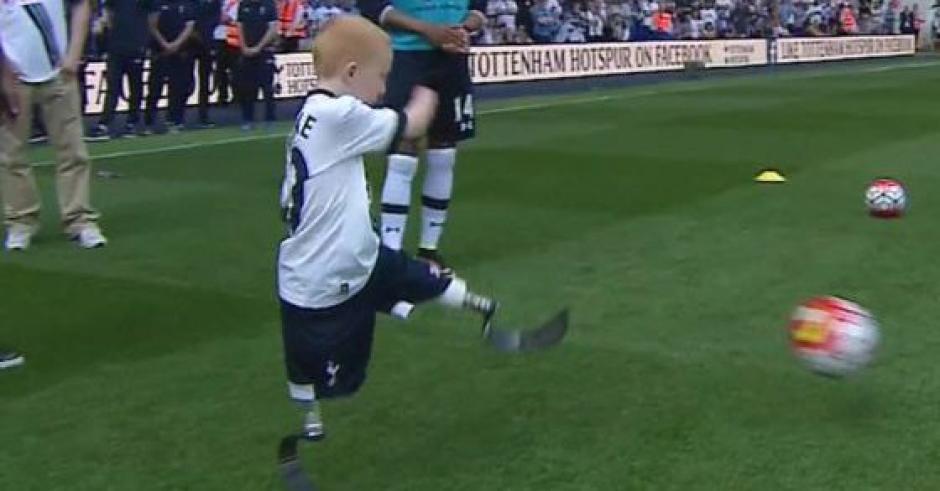 El pequeño Marshall disfrutó conociendo a sus ídolos del Tottenham Hotspur. (Foto: Twitter)