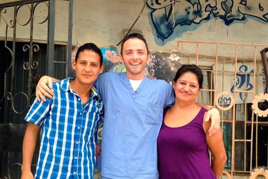 Karz se retiró de la actuación y se convirtió en voluntario y ayuda a los más necesitados. (Foto: www.elsalvador.com)