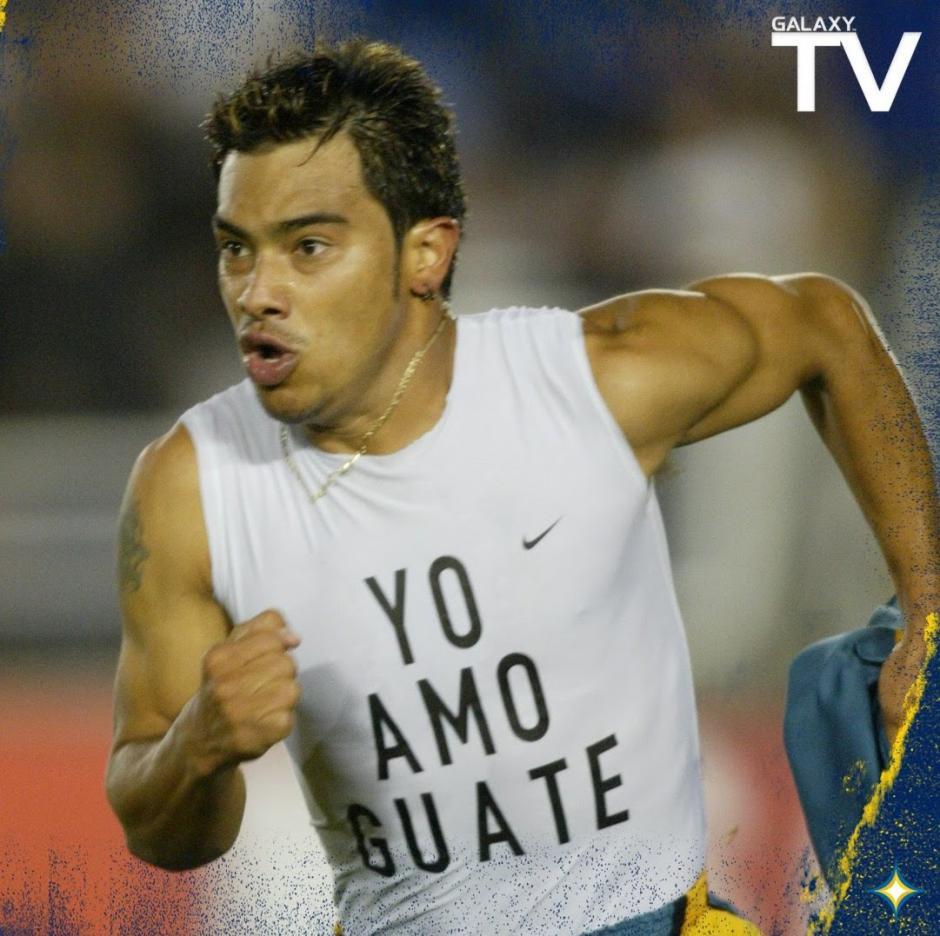 Carlos Ruiz siempre recordó sus orígenes cuando jugaba fuera del país.