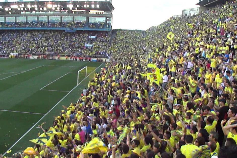 El Villarreal sancionó de por vida al aficionado que tuvo un gesto racista con Dani Alves