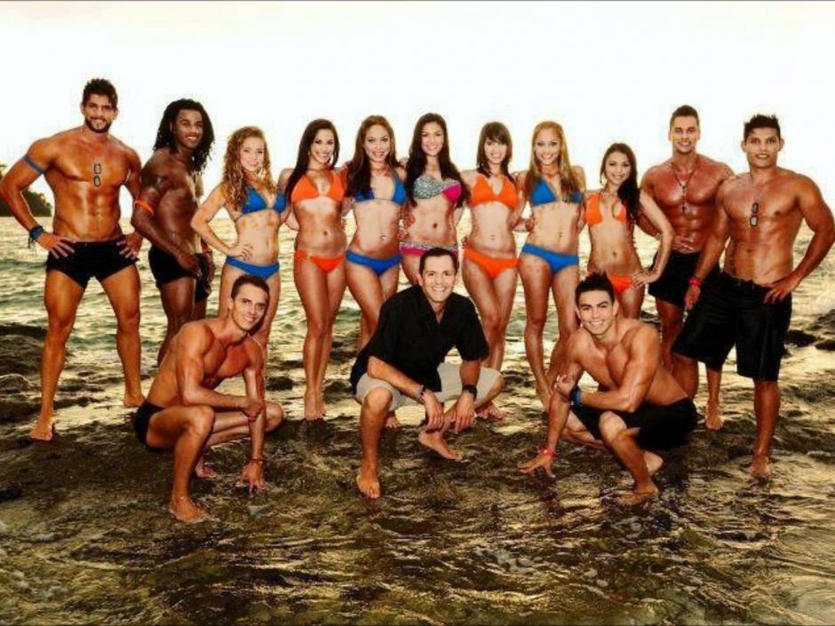 El elenco de una de las temporadas de Combate Costa Rica. (Foto: Twitter)