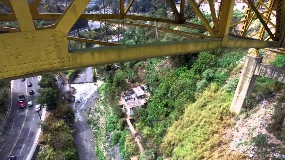 El Ministerio de Comunicaciones planea construir otro puente al costado del Puente Belice. (Foto: Archivo/Soy502)
