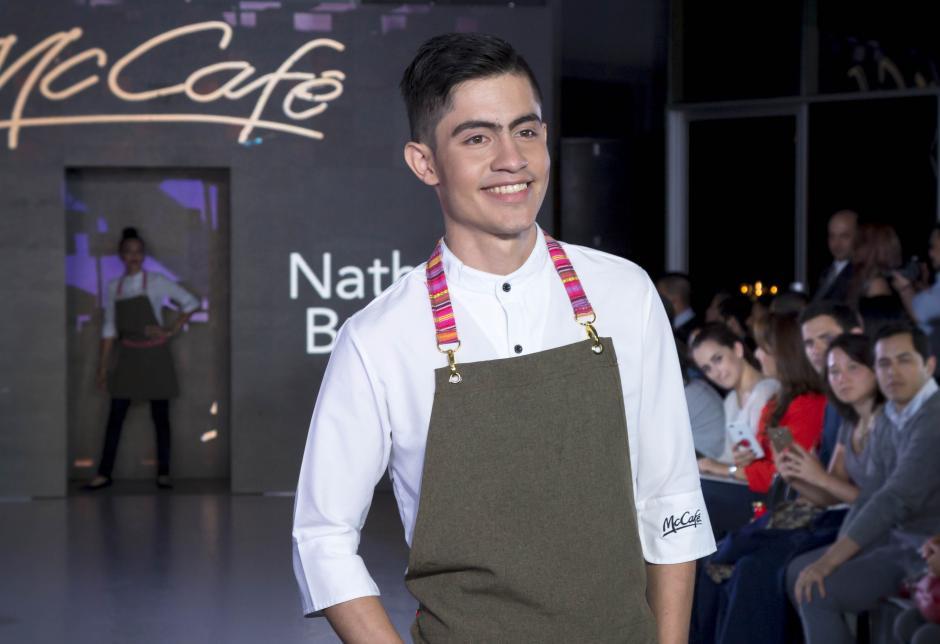 El diseño ganador será confeccionado para todos los baristas de McCafé. Los modelos del desfile fueron todos baristas de McCafé. (Foto: Eddie Lara/Soy502)