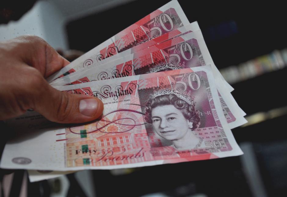 La caída de la libra esterlina ha provocado un desplome en el poder adquisitivo de los británicos. (Foto: Womensnews)