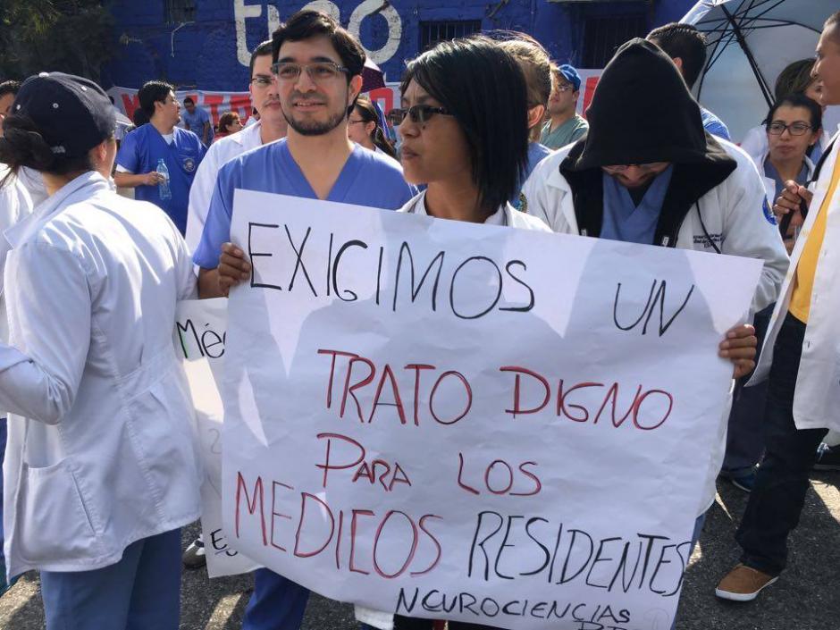 Los doctores también piden un trato digno a las nuevas autoridades. (Foto: Luis Barrios/Soy502)