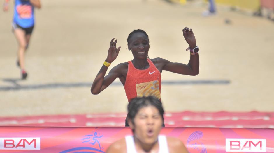La también keniata Gesabwa Risper dominó en la rama femenina. (Foto: Byron de la Cruz/Nuestro Diario)