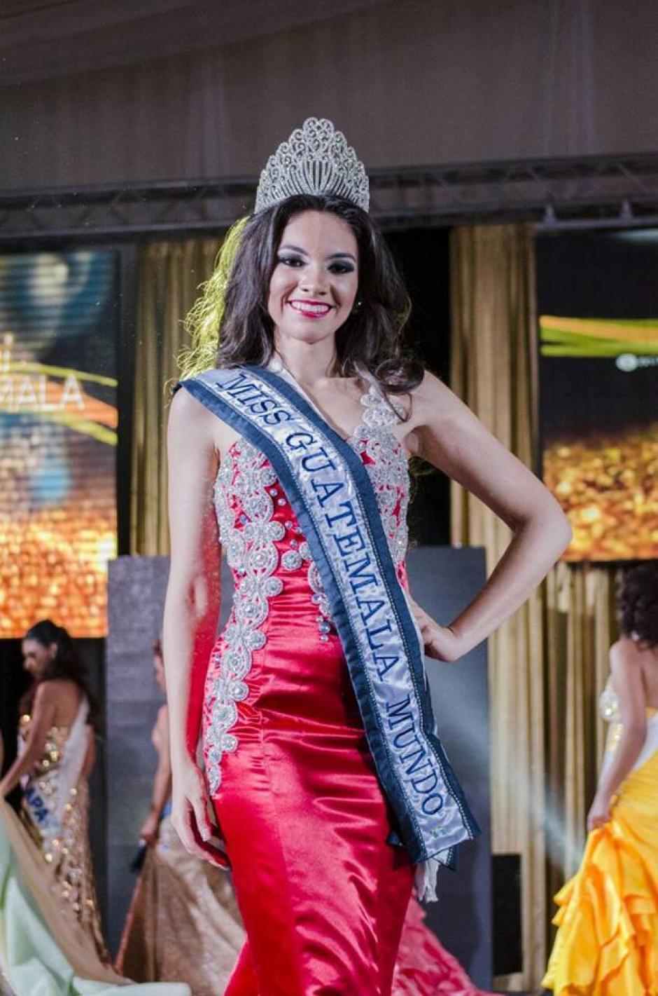 Espina fue seleccionada entre muchas jovencitas. (Foto: Miss World Guatemala)