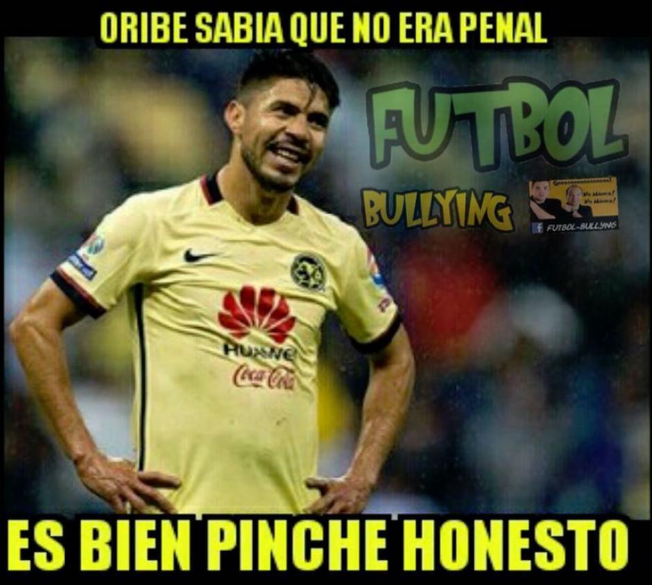 Oribe Peralta falló el penal para el América. (Foto: Sopitas)