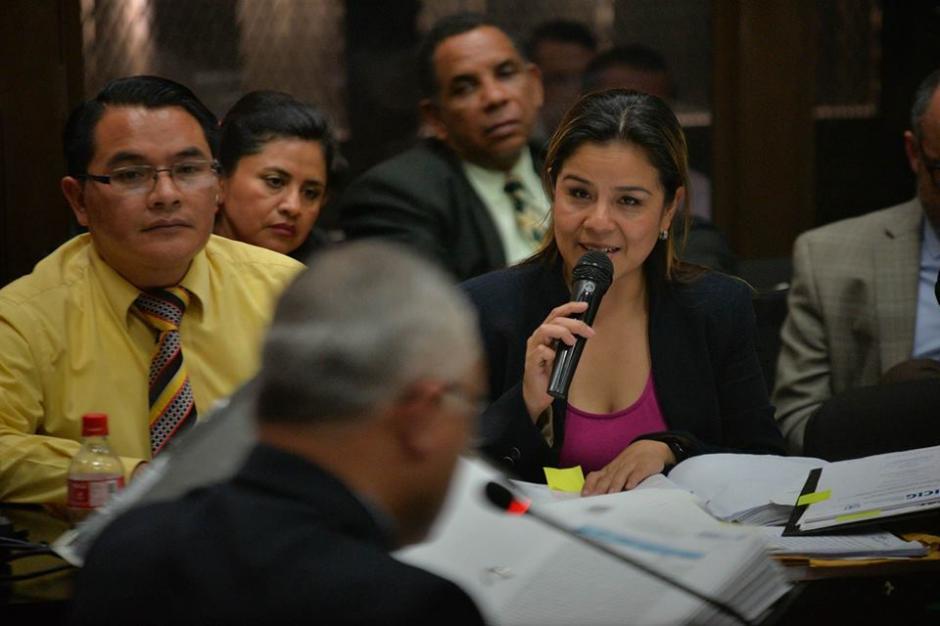 """Salvador Estuardo González """"Eco"""" explicó todos los documentos que le fueron solicitados. (Foto: Wilder López/Soy502)"""