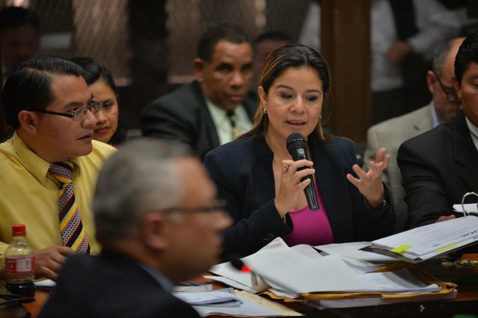 De esta forma Claudia Méndez interrogó a Salvador Estuardo González. (Foto: Wilder López/Soy502)