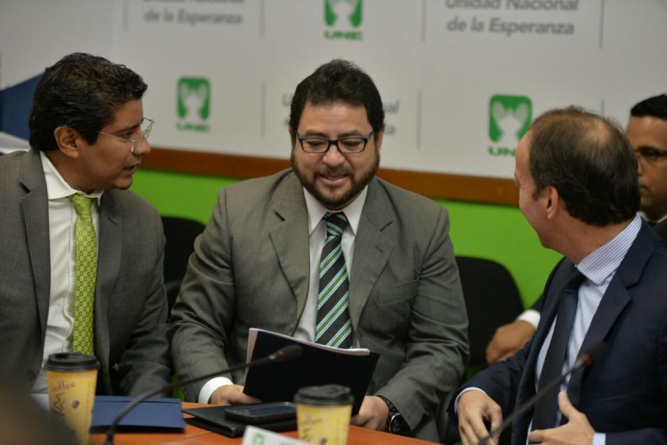 La UNE señala que Melgar Padilla dirige operaciones de espionaje a políticos. (Foto: Wilder López/Soy502)