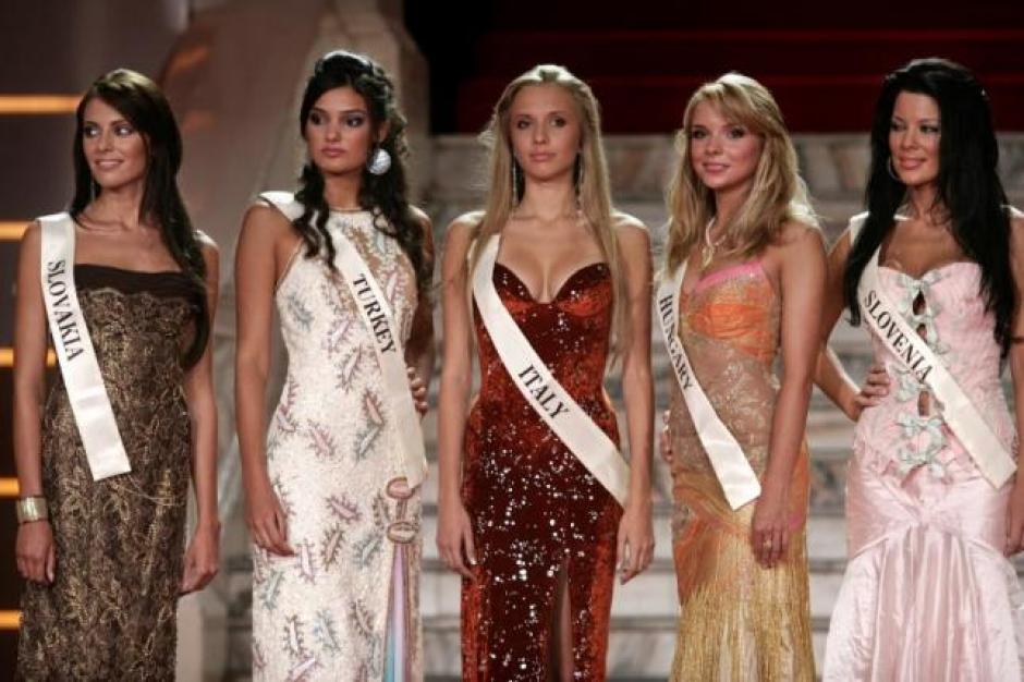 Miss Turquía podría ser encarcelada en su país. (Foto: Telegraph)