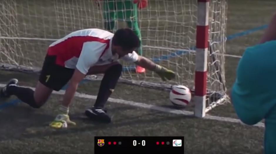 El portero de la selección paralímpica no pudo detener el balón enviado por Messi. (Imagen: captura de YouTube)