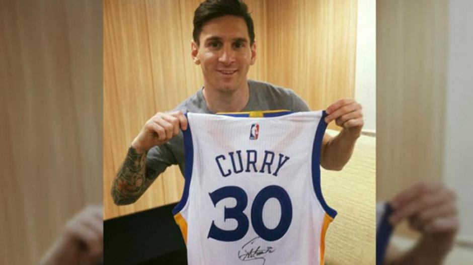 Messi había recibido antes una camisa firmada por Curry. (Foto: Twitter)