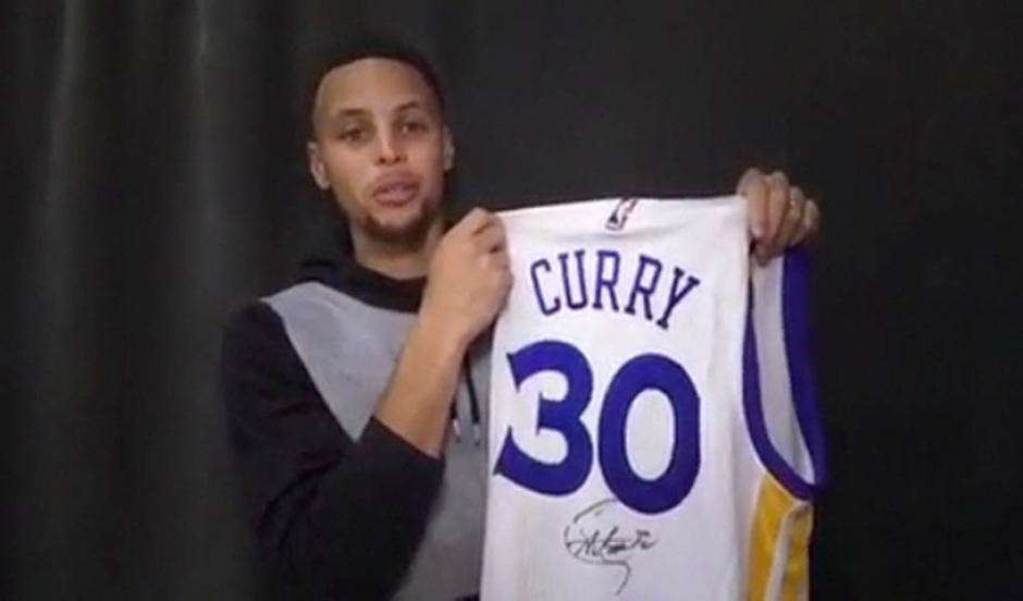 """Curry, la vigente eCurry y Messi se han expresado """"admiración"""" mutua en las redes sociales. (Foto: Twitter)strella de la NBA, sufrió un esguince en la rodilla. (Foto: Twitter)"""