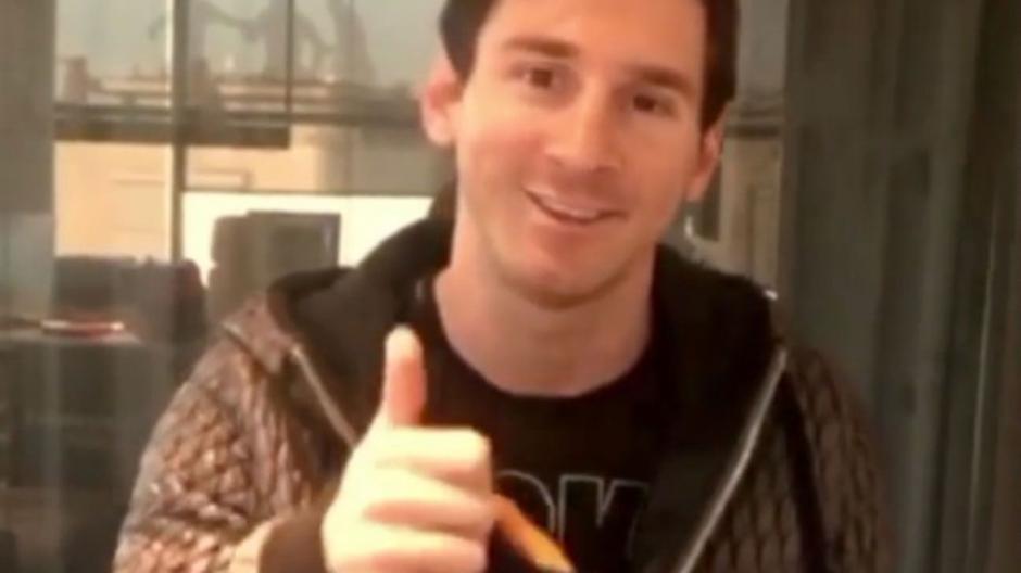 Messi le mandó una camisa firmada a Curry por haber superado los 10 millones de seguidores en Instagram. (Foto: Twitter)