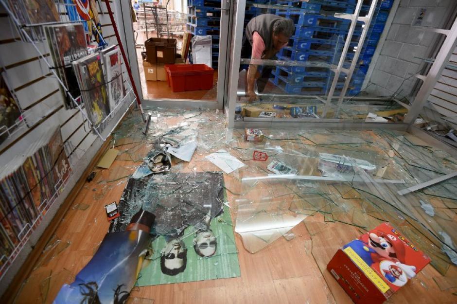 Los comercios en varias ciudades fueron saqueados. (Foto: AFP)