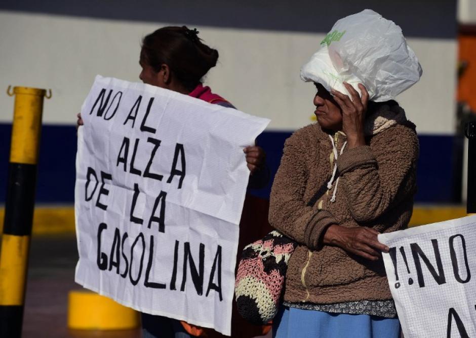 Las fuerzas de seguridad evitaron que las protestas llegaran hasta la sede del Gobierno Central. (Foto: AFP)