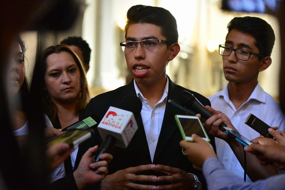 Michael Vásquez secretario del Sindicato del Congreso será removido. (Foto: Archivo/Soy502)
