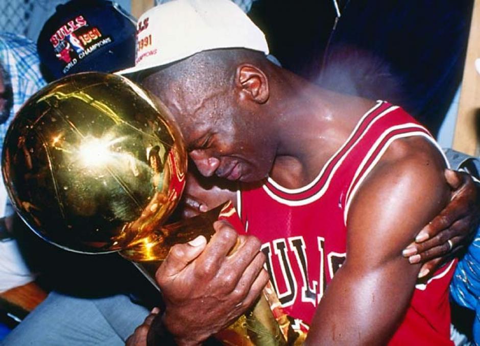 A pesar de su gran carácter, Jordan celebraba como pocos la obtención de los títulos.
