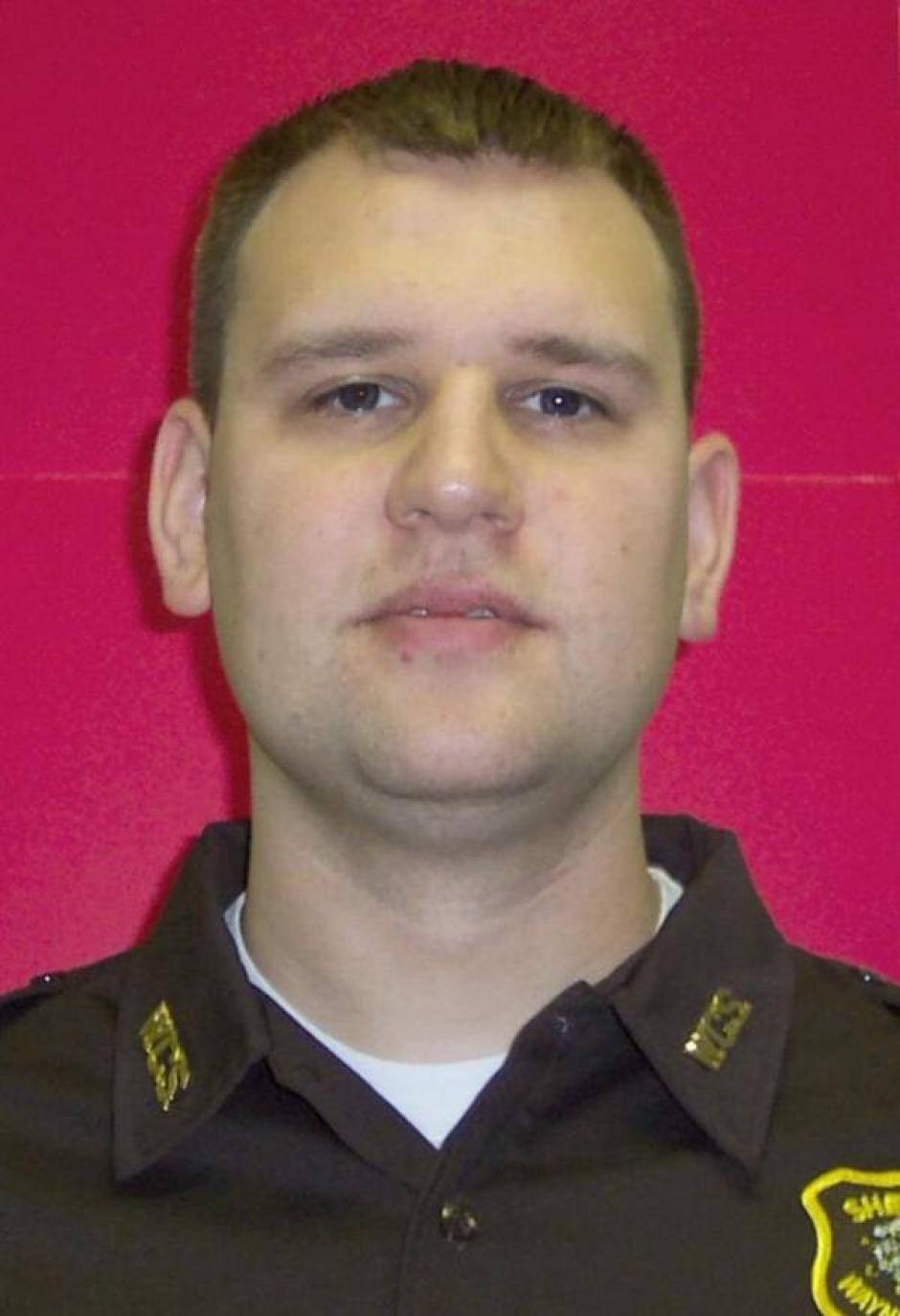 El oficial de la Policía de Dallas, Michael Krol, se graduó de la Academia de Policía de Dallas. (Foto: www.infobae.com)