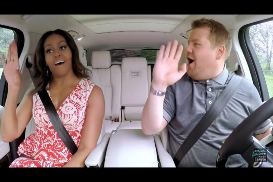 Durante el recorrido, Michelle confesó que no suele escuchar música mientras maneja. (Foto: YouTube)