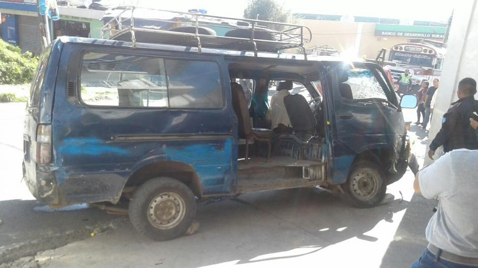En el percance vial, ocho personas resultaron heridas. (Foto: @CBMDEPTAL)