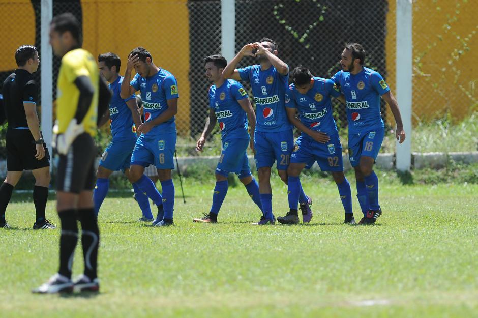 Los rojos sumaron su noveno triunfo en el torneo. (Foto: Sergio Muñoz/Nuestro Diario)