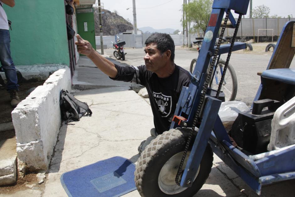 El sexagenario lucha constantemente para sacar adelante a su esposa, a su hija y nieto. (Foto: Fredy Hernández/Soy502)