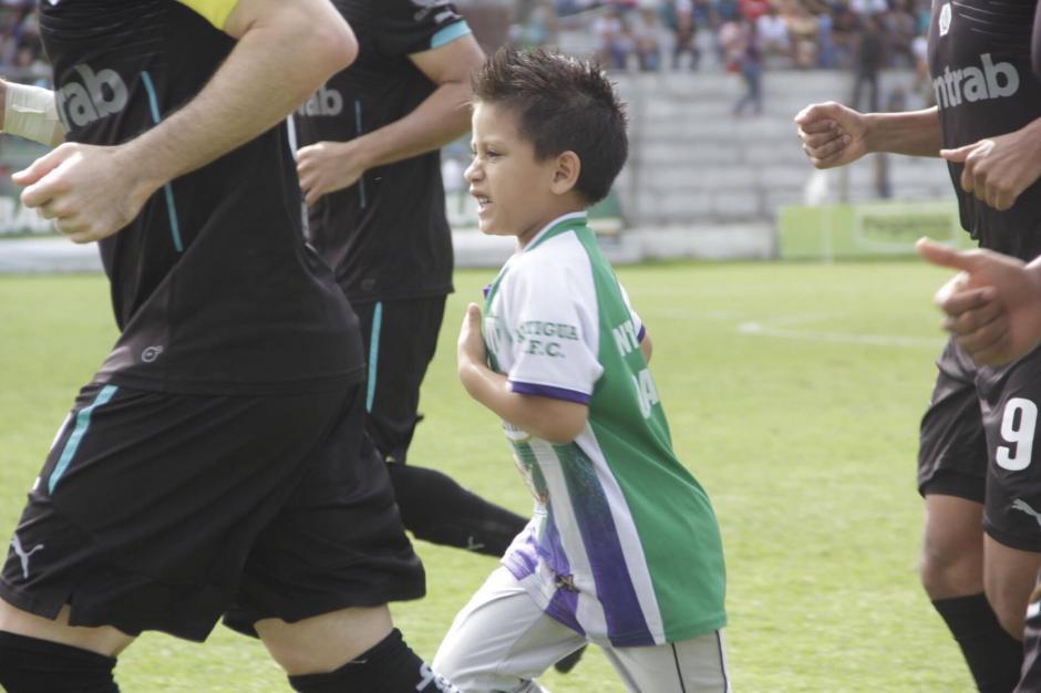Todos creían que Miguel formaba parte de los organizadores. (Foto: Fredy Hernández/Soy502)