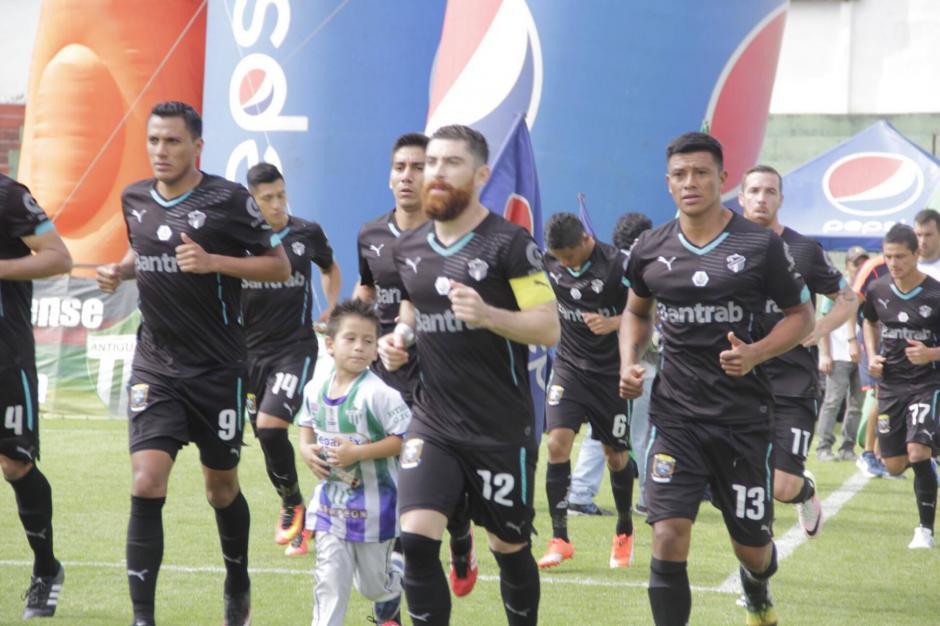 Hasta ahí, todos creían que Miguel era parte de la organización. (Foto: Fredy Hernández/Soy502)