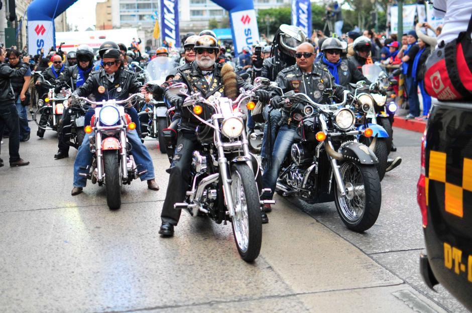 Algunos de los asistentes a la edición 55 de la Caravana del Zorro, viajaron sin casco. (Foto: Alejandro Balán/ Soy502)