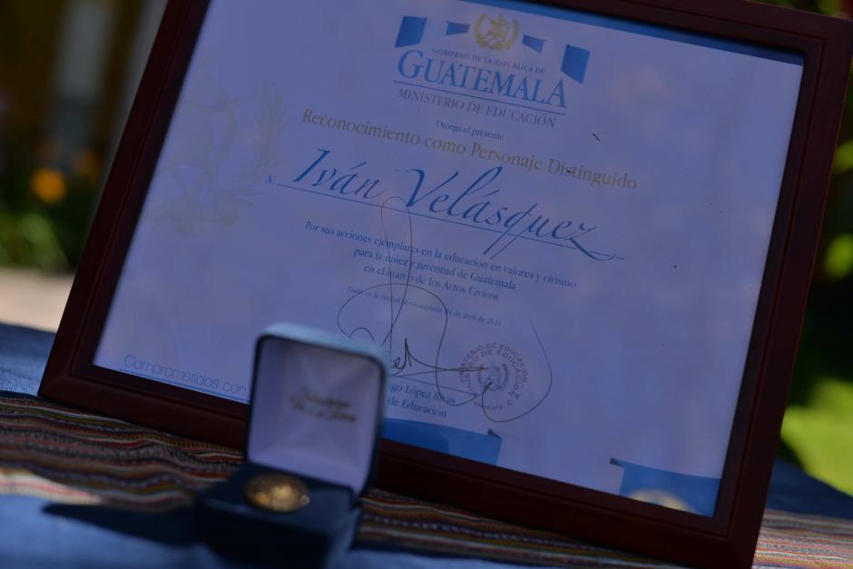 El Ministerio de Educación reconoció como personaje distinguido a Iván Velásquez. (Foto: Archivo/Soy502)