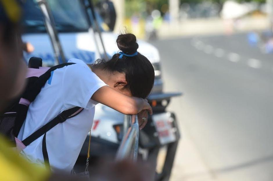 Mirna Ortiz se lamenta luego de ser descalificada en los primeros kilómetros de su prueba de marcha. (Foto: Álvaro Yool/Nuestro Diario)
