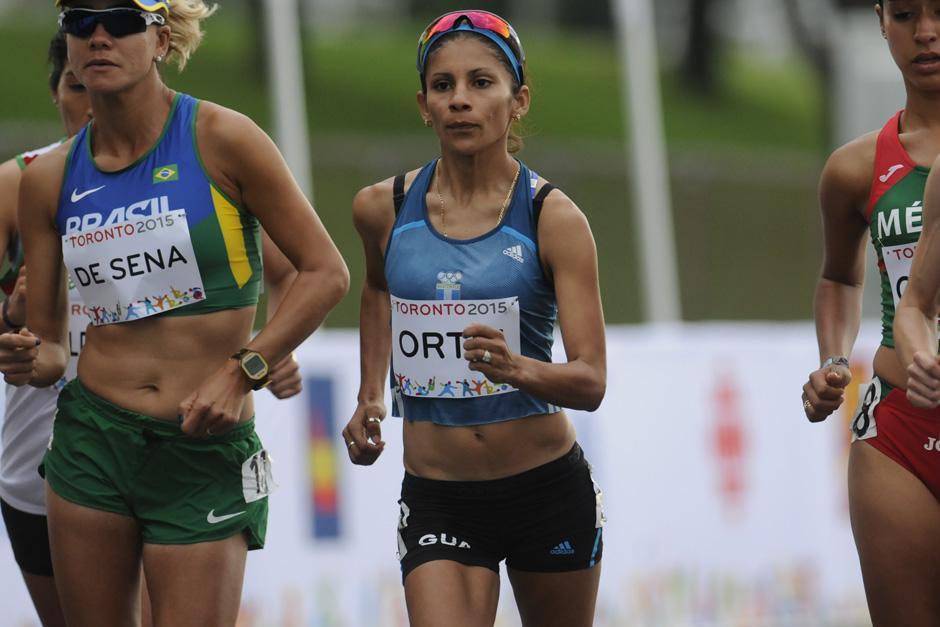 Mirna no pudo completar la prueba de 10 kilómetros por recibir tres amonestaciones por parte de los jueces. (Foto: Pedro Mijangos/Soy502)