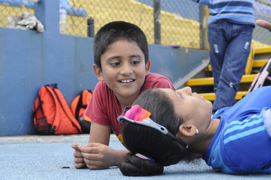 Mirna multiplica sus horas para compartir con sus hijos. (Foto: Pedro Pablo Mijangos/Soy502)