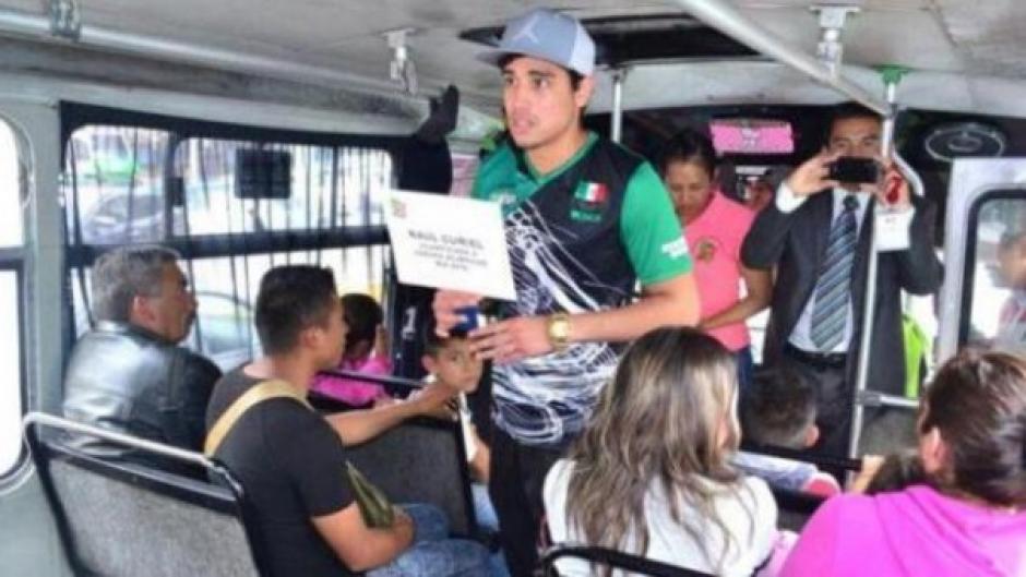 Rodríguez solicitó ayuda en los buses y calles de México. (Foto: capital.com.pe)