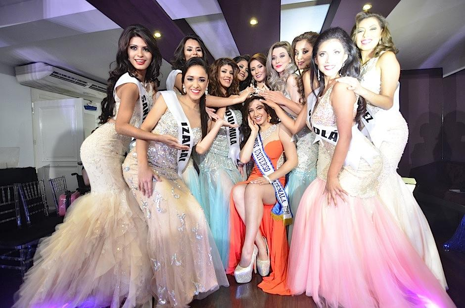 Los nervios aumentan previo a Miss Universo Guatemala 2016. (Foto: Selene Mejía/Soy502)