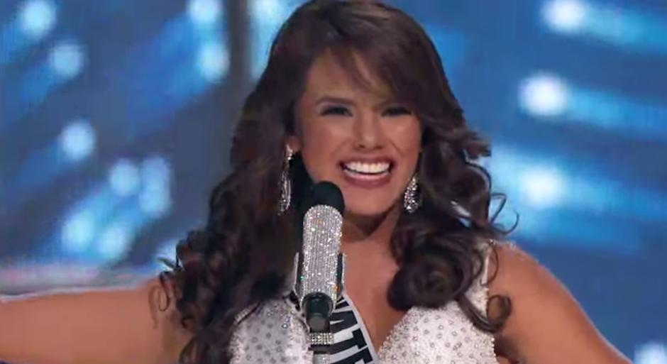 La guatemalteca Virginia Argueta lució hermosa en la gala de Miss Universo. (Foto: captura de pantalla)