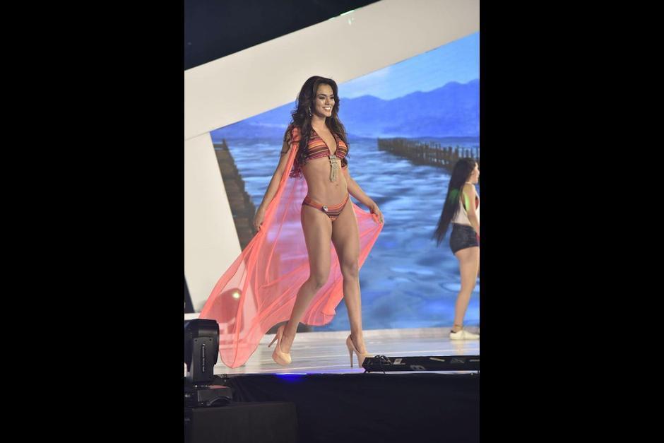 La representante de Jutiapa lució su figura en traje de baño. (Foto: Abner SalgueroNuestro Diario)