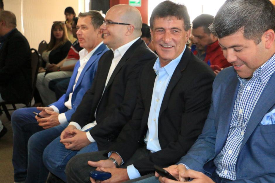 Los conductores del programa Fuera de Juego participaron en una actividad del Inguat. (Foto: Archivo)