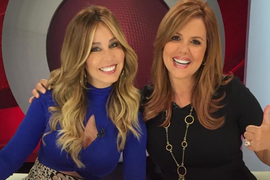 Dellanos celebró los 30 años de carrera junto a Arrarás durante el noticiero de Al Rojo Vivo. (Foto: Instagram)